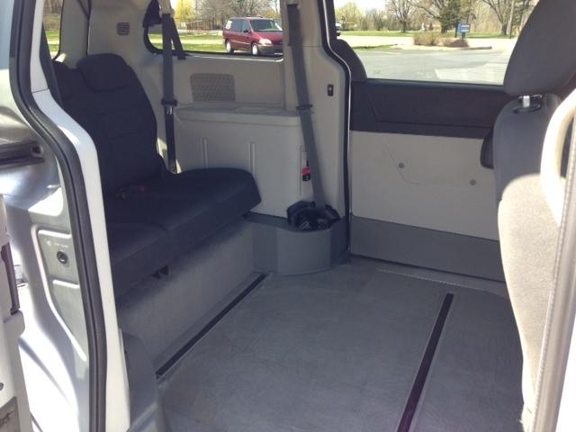 http://vancitymobility.com/media/files/2012_Dodge_SE_LT_Silv_8.JPG