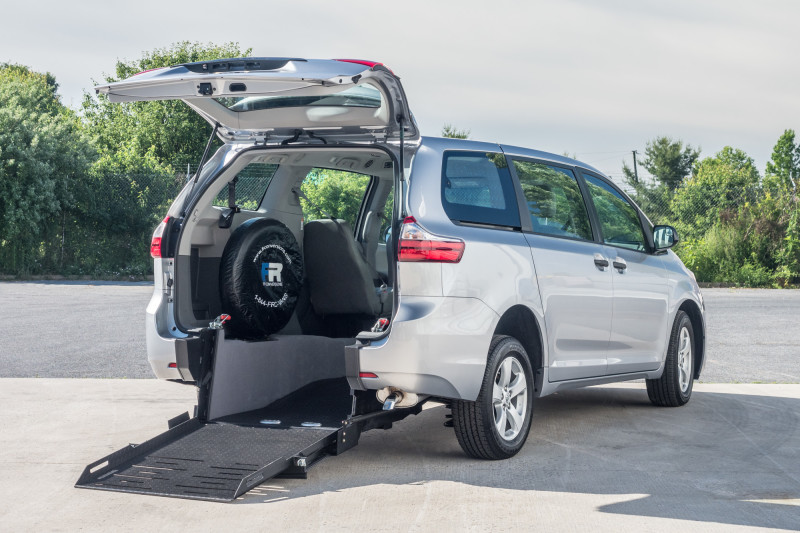 Wheelchair Accessible Vans >> Wheelchair Accessible Vans By Fr Conversions Buffalo Ny Boulevard